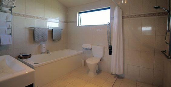 family studio 1 bathroom