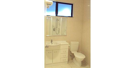 mini studio bathroom
