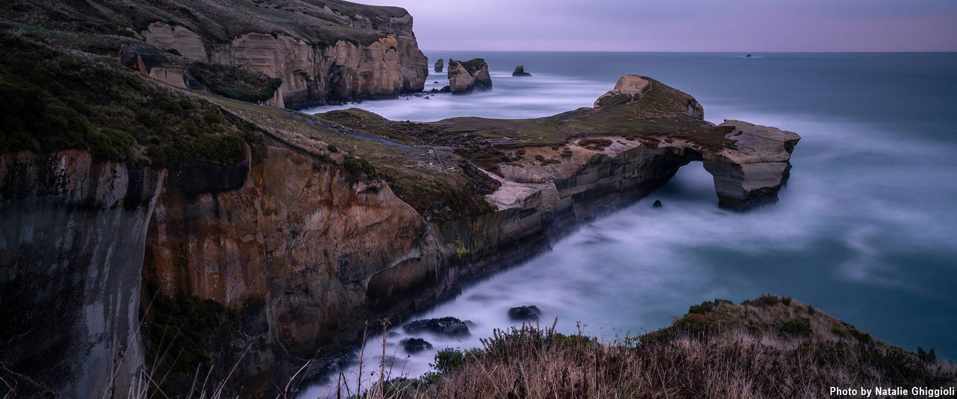tunnel beach cliffs