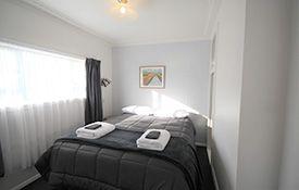 2-bedroom unit queen-size bed