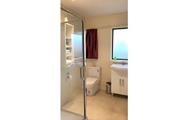 premium studio with double beds toilet
