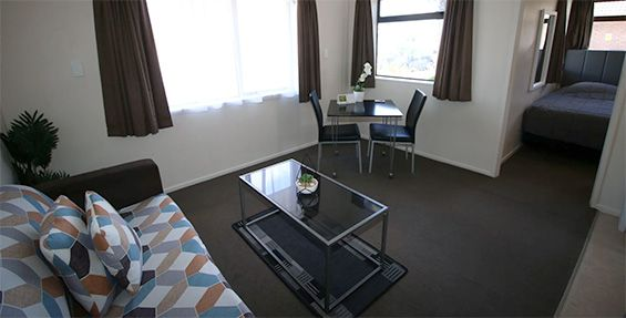 1-bedroom unit with view lounge