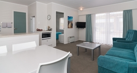 spacious 2-bedroom unit can accommodate 8 people