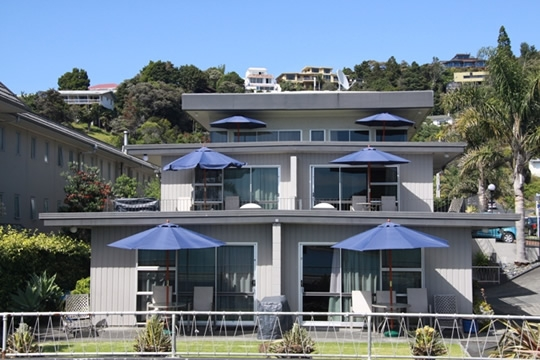 Paihia central waterfront accommodation