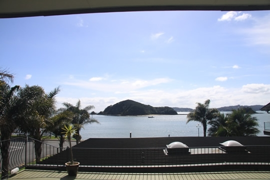 beautiful views over Paihia Beach