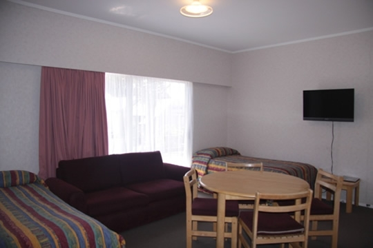 apartments with comfortable beds, lounge and dining