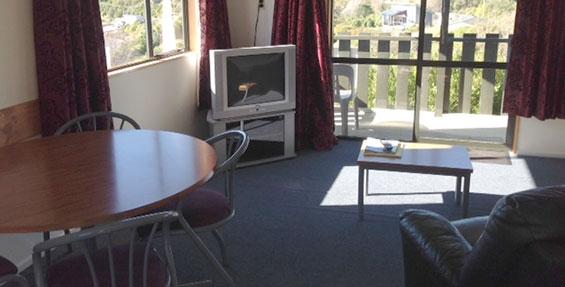 2-bedroom motel unit living area
