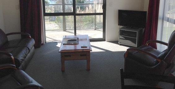 full kitchen facilities in studio tourist flat