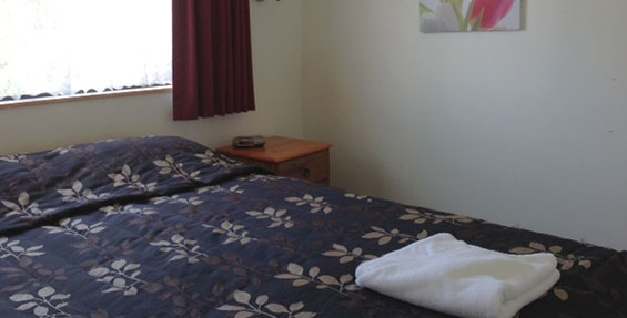 2-bedroom motel unit bedroom