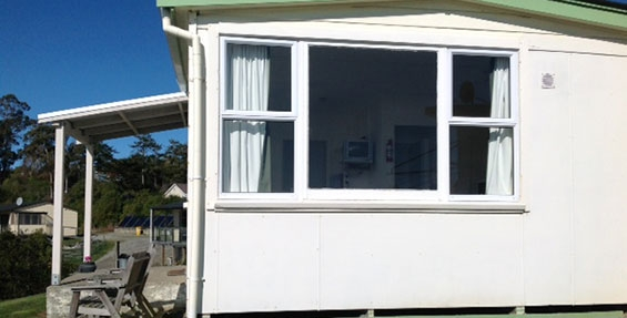 fully equipped kitchen of 1-Bedroom motel