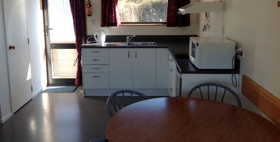 2-bedroom motel unit kitchen