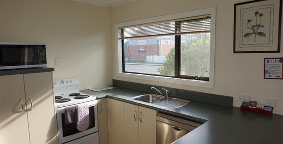 deluxe 2-bedroom unit kitchen