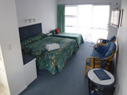 three guests can sleep in our twin studio unit