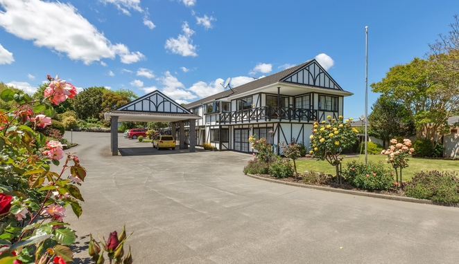Whangarei Accommodation - Kingswood Manor