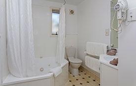 corner double spa bath