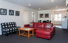 spacious lounge and dining of 1-bedroom unit