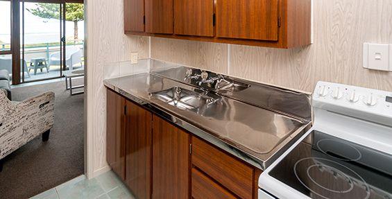 2-bedroom upstairs apartment kitchen