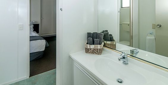 2-bedroom upstairs apartment bathroom