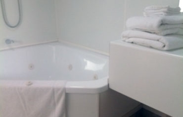 Spa-bath Units