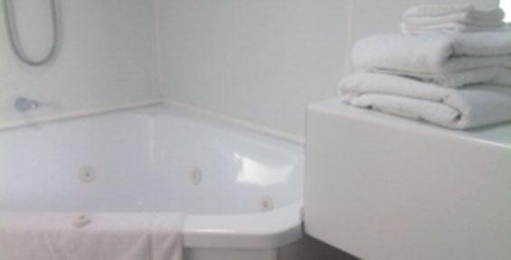 spa-bath motel unit