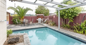 Image of the Kensington Motel in Whangarei's pool