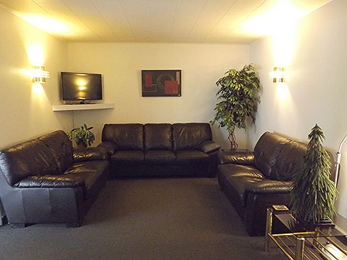 comfortable couches with flatscreen TV