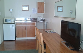 queen studio unit kitchen
