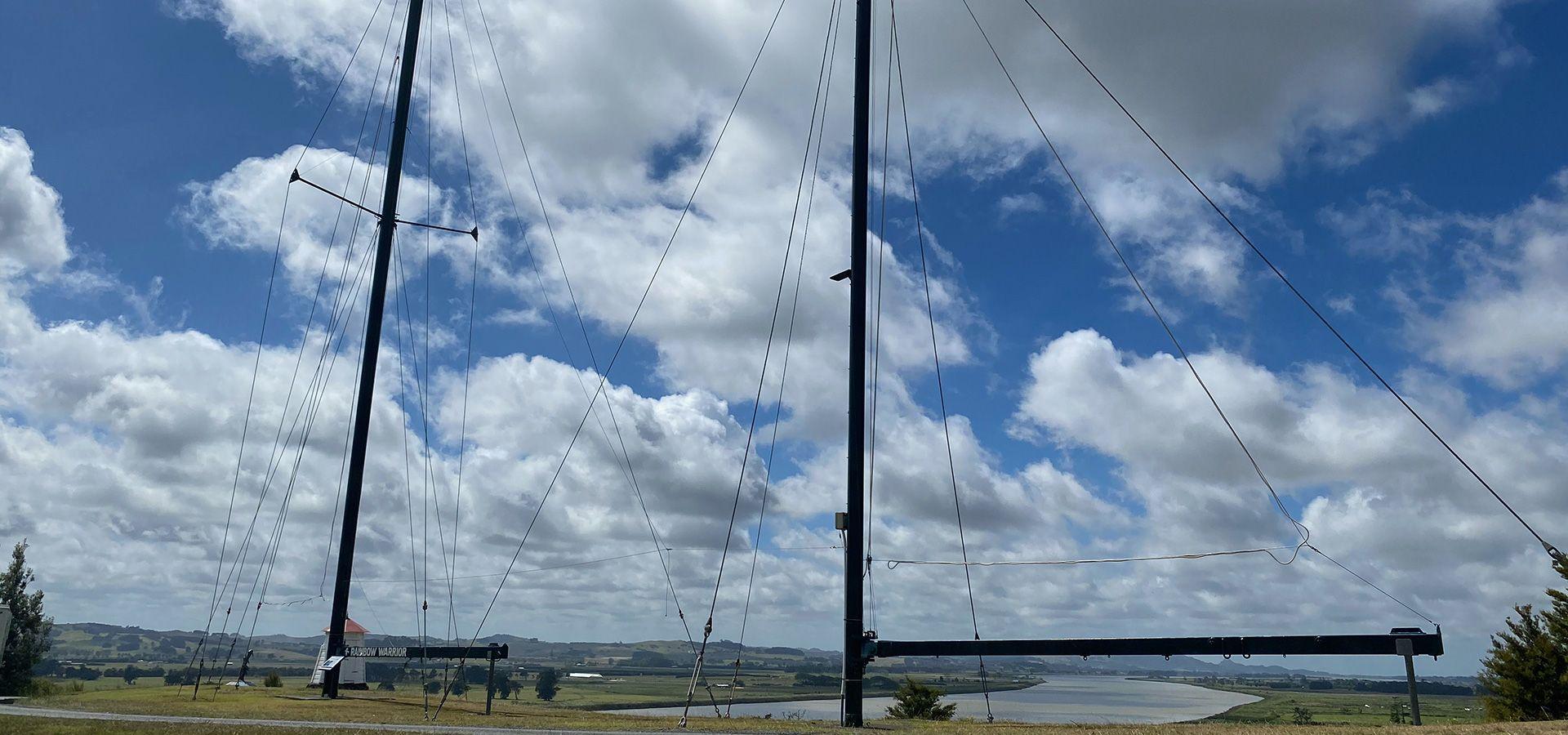 Rainbow Warrior masts