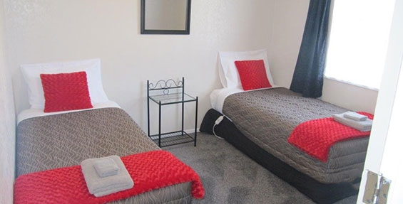 3-bedroom unit single beds