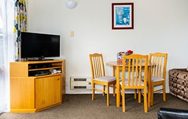 accommodation for one person with full kitchen facilities