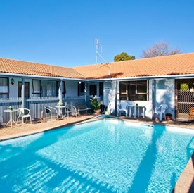 Image of the swimming pool at Cortez Motel Whakatane motel