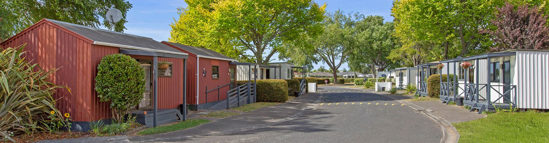 hamilton accommodation cabins