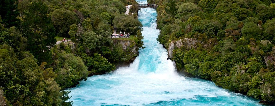 famous huka falls