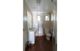 ensuite bathroom of 1-Bedroom unit