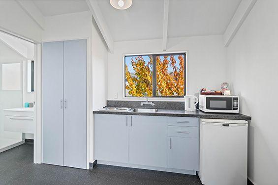 twin suite kitchen
