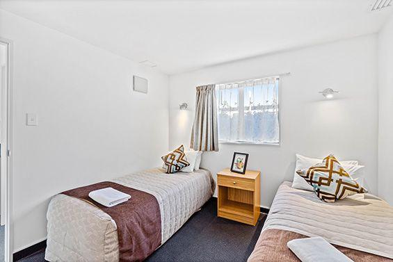 access suite single beds