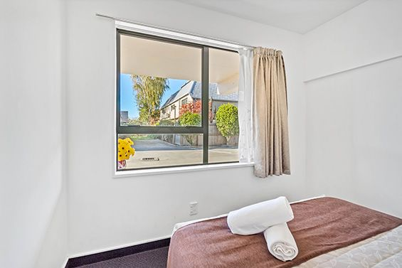 queen suite bedroom