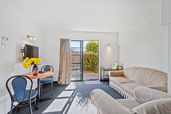 access suite living area