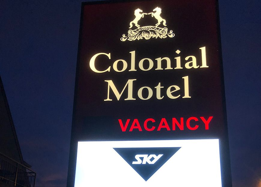 colonial motel vacancy