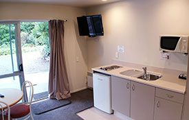 executive studio kitchenette