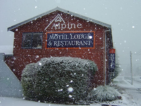 Alpine Motel in winters