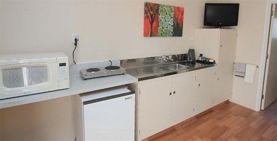 standard studio unit kitchenette
