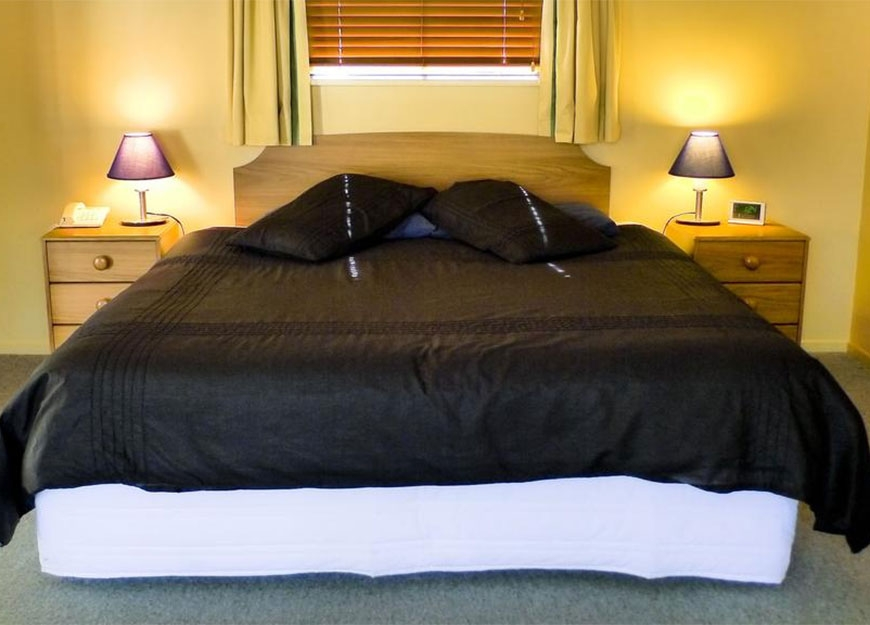 king or queen-size beds in all rooms