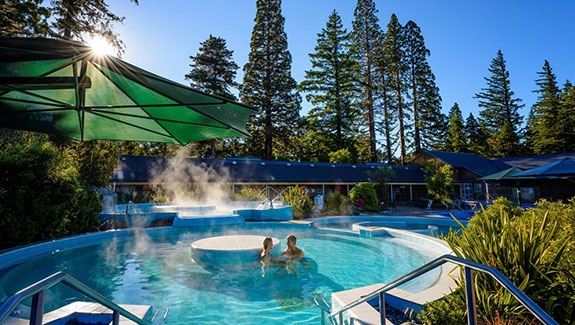 this motel is just opposite the Hanmer Springs Thermal Pools