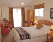 queen-or king size beds in double rooms