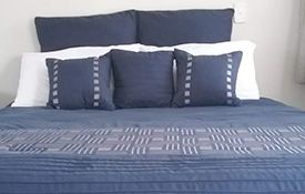 1-bedroom family unit bed