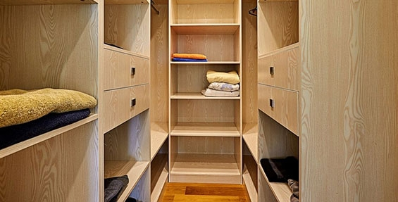walk-in wardrobes with plenty of space