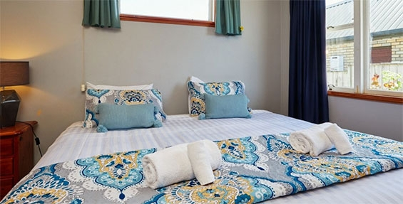 bach bedroom