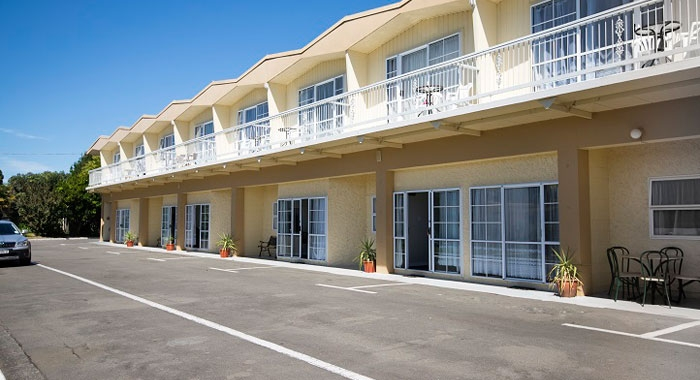 spacious sunny motel rooms