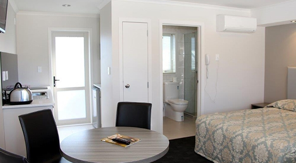 fully-furnished accommodation Auckland
